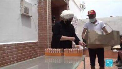 A Ceuta Des Habitants Viennent En Aide Aux Migrants Menaces Dexpulsion Vers Le Maroc Tvwgsvufdo8 Image