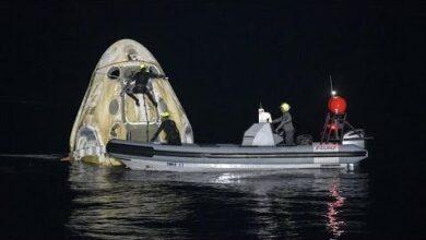 Capsula Spacex Regressa A Terra Com Quatro Astronautas Zyot9Yb4Aay Image