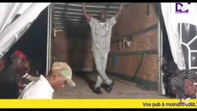 Du Jamais Vu Concert De Ngaaka Blinde Dans Un Camion A Kaolack Lycfcq0Nzde Image