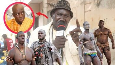 Insultes A Pape Mael Khadim Ndiaye 1 En Colere Et Analyse Les Affiches Du 26 Q8B2Kv0Cwu4 Image