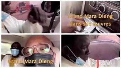 Mara Dieng Lami De Youssou Ndour Parvient Mal A Manoeuvrer La Voiture Range Rover Du Roi Du Mbalakh Arimu52Bb0A Image
