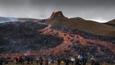 Milhares Assistem A Erupcao Vulcanica Na Islandia Ea1Sqxni9Ey Image