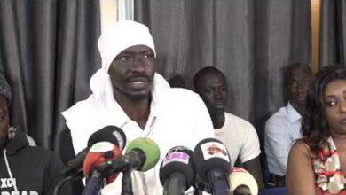 Abdou Karim Gueye Xrum Xakk Lactiviste Retrace Le Film De Leurs Lynchages A La Police Evq 09Hsasa Image