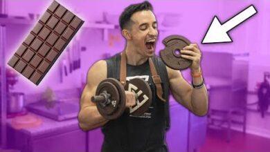 Je Mange Une Haltere Xxl En Chocolat 3000 Calories Pour De Vrai D6F4Opcuegm Image