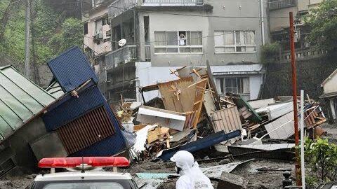 Au Moins Deux Morts Dans Une Gigantesque Coulee De Boue Au Japon