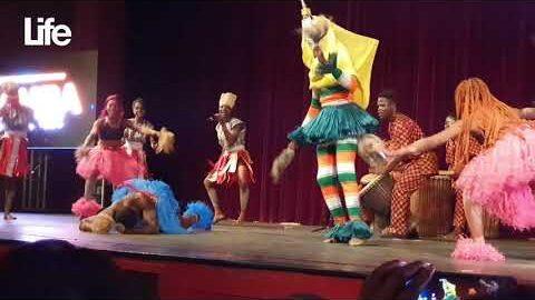 La Compagnie Ivoire Bel Art Aux 40 Ans De Carriere De Bamba Bakary