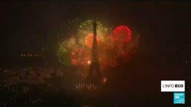 La Tour Eiffel Rouvre Apres 260 Jours De Fermeture O France 24 Jbwo3Uaau5G Image