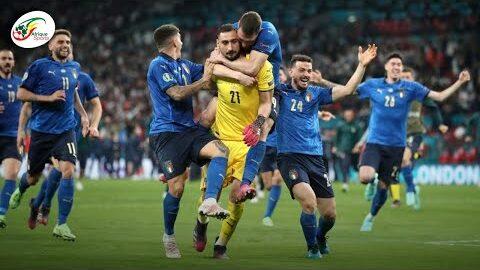 Les Larmes De Joie Des Joueurs Italiens Apres Avoir Remporte Leuro 2020 Face A Langleterre Qtpftw9Agtm Image