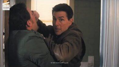 Jack Reacher Combat Dans La Salle De Bain Clip Hd Fofdn4Nne8Q Image