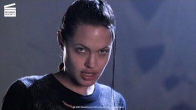 Lara Croft Tomb Raider Le Robot Tueur Clip Hd Tazbixlwg M Image