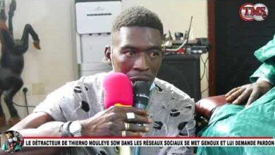 Le Detracteur De Thierno Moule Sow Dans Les Reseaux Sociaux Se Met Genoux Et Lui Demande Pardon Vv3Hen6A1Zm Image