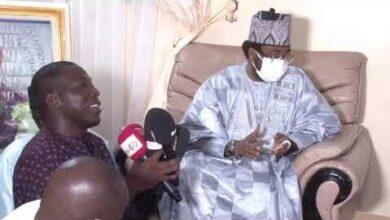 Cheikh Alassane Sene A Thienaba Pour Presenter Ses Condoleances Gjlzyf Pwza Image