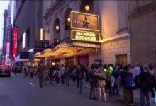 Covid 19 Aux Etats Unis Broadway Rouvre Ses Portes Apres 18 Mois De Silence O France 24 V1Bmzyc5B7Y Image