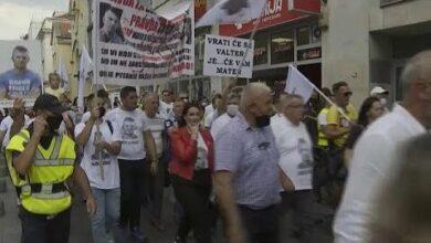 Protestos Em Sarajevo 47P4Z4Umc3I Image